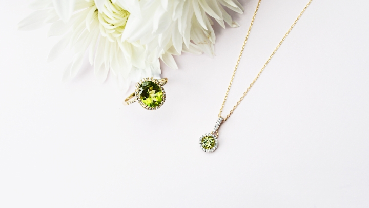 gold-peridot-ring-necklace-michaelsjewelers